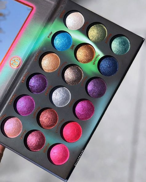 Bright Eyeshadows That Will Make You Stand Out This Summer