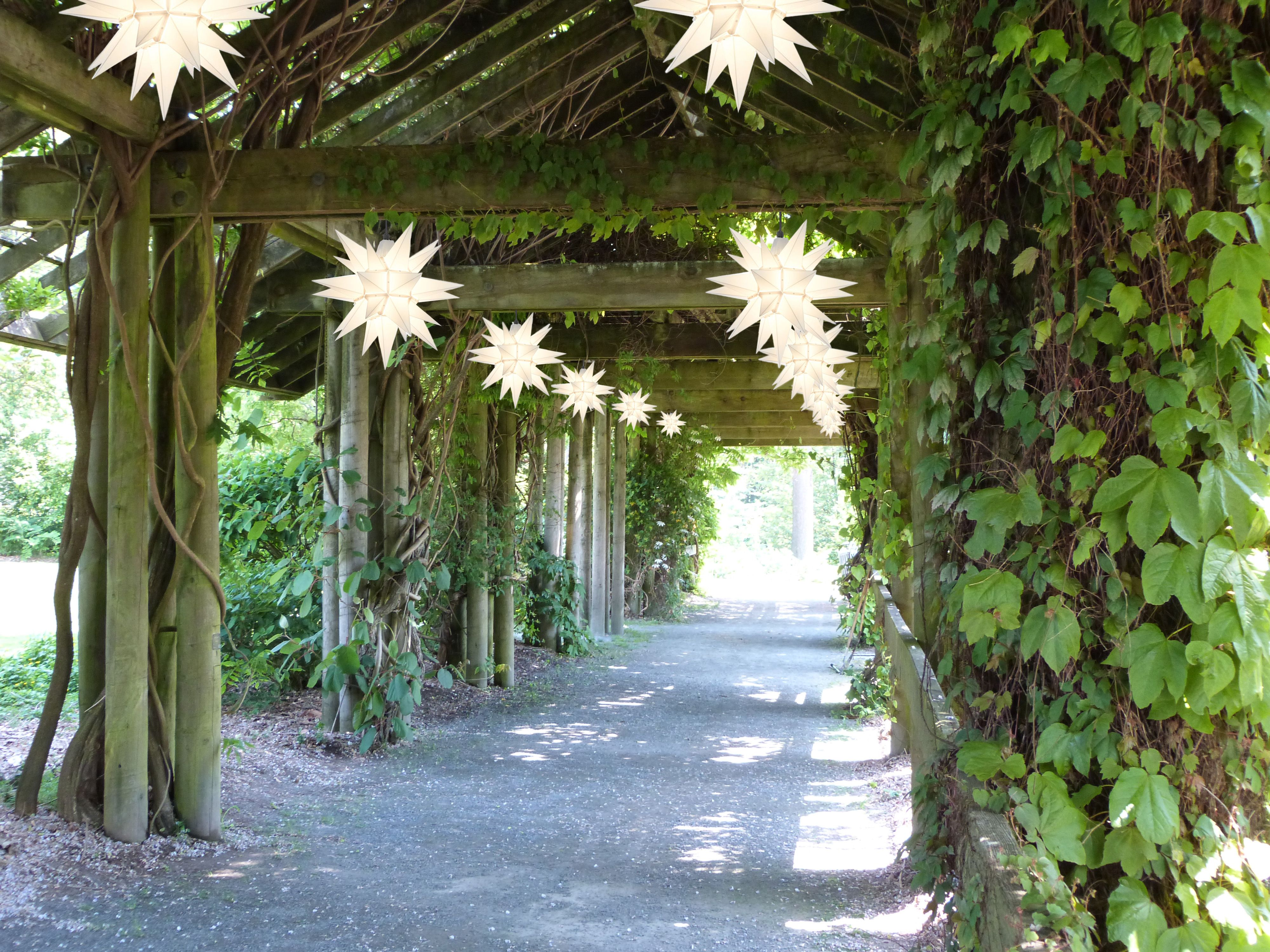 Great ideas for garden decoration for example in the UBC Botanical ...