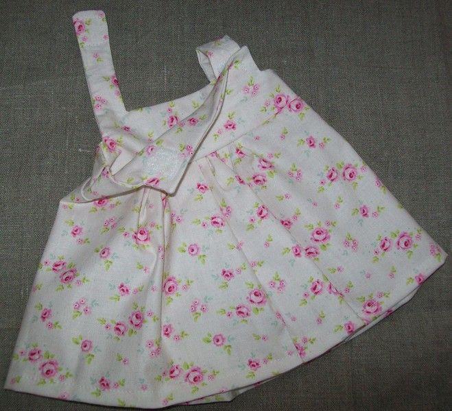 Puppenkleidung - Kleid (versch. Farben) für Stoffpuppen - ein Designerstück von Nukino bei DaWanda