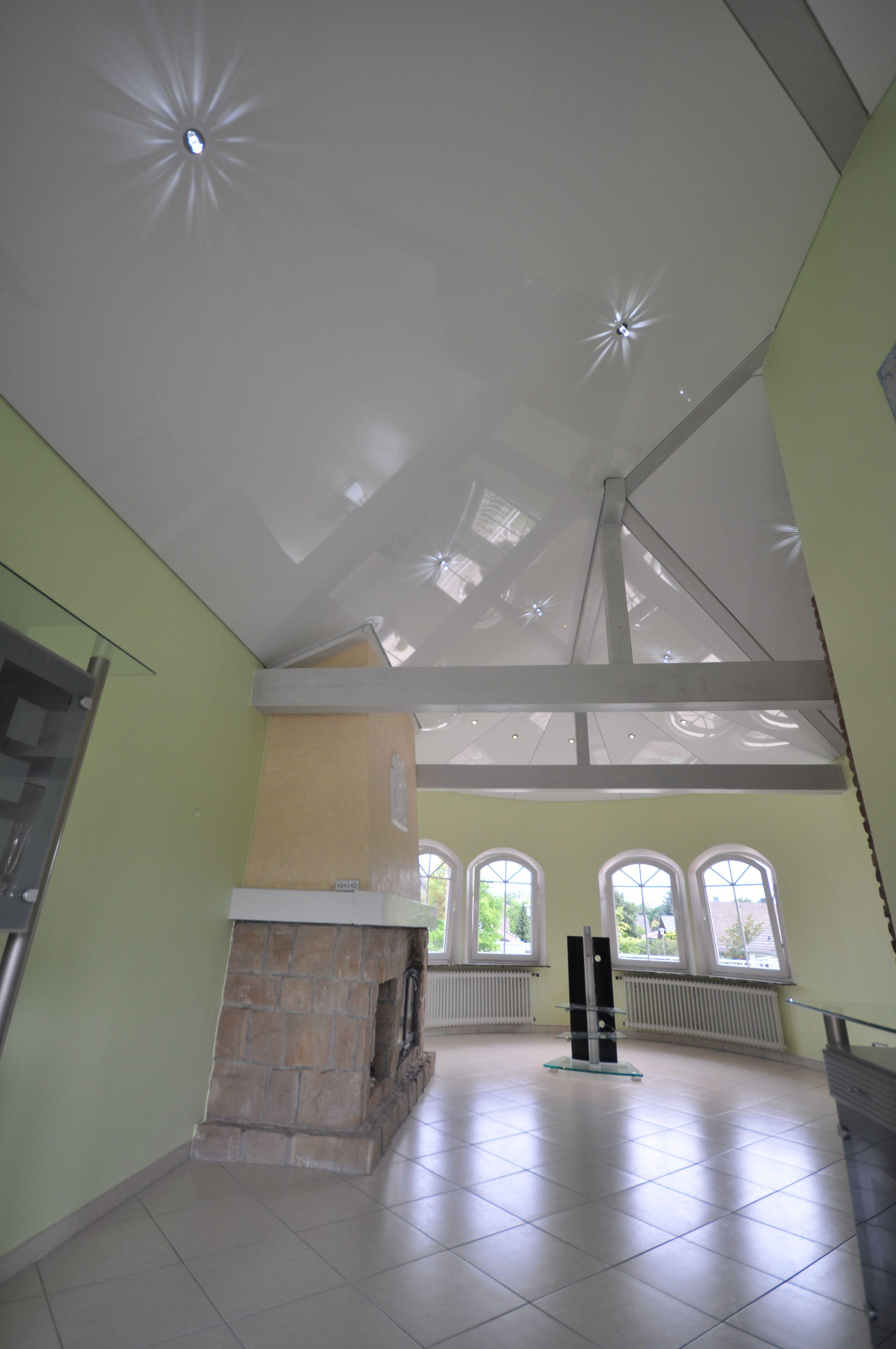 Spanndecke Weiss Hochglanz Decke Renovieren Swarovski Balken Wohnzimmer Kamin Spanndecken Deckenbalken Zwischendecke
