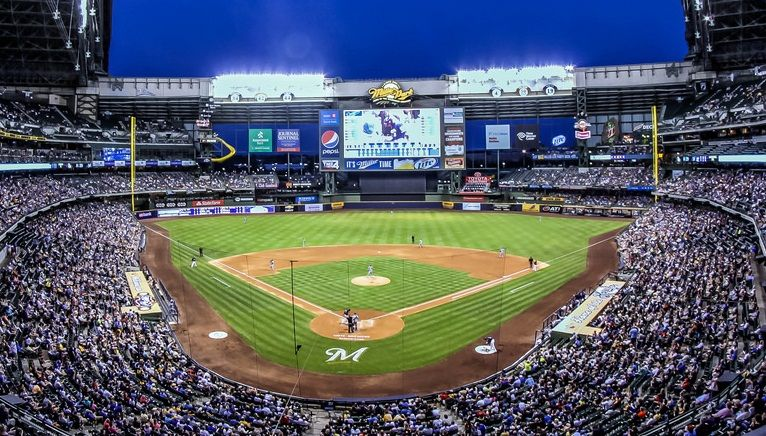 Miller Park Tenant Milwaukee Brewers Capacity 41 900 Surface Grass Cost 382 Million Opened April 6 2001 Mlb Stadiums Baseball Park Ballparks