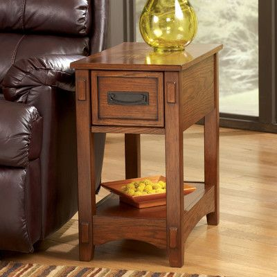 Signature Design By Ashley Castle Hill Chairside Table Reviews