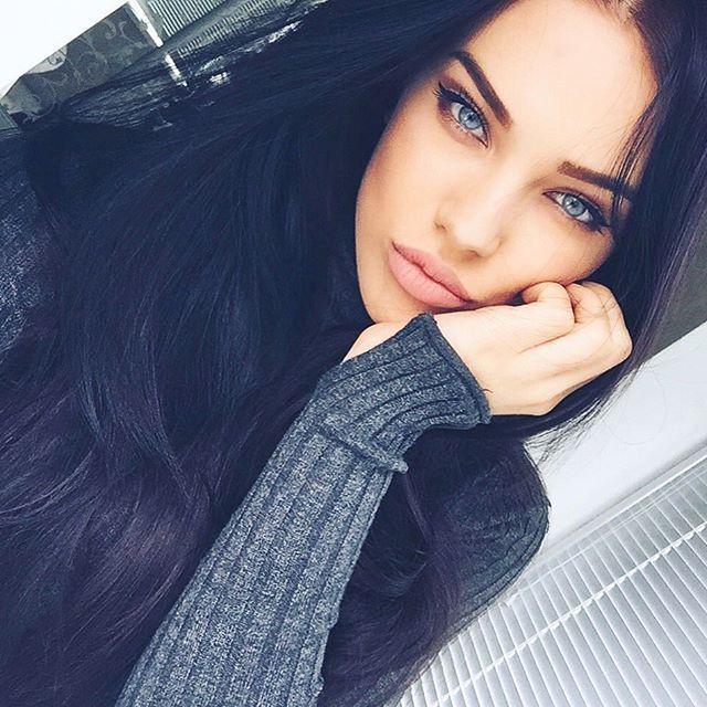 Blue eyes girl instagram