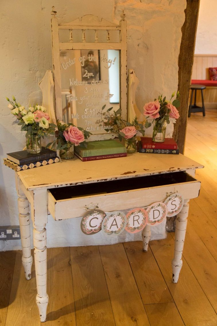 Cream dressing table with mirror. Hired from www.littleweddinghelper ...