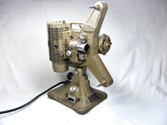 1950s 8mm PROJECTOR - KEYSTONE COMMANDER Model k-68 - With