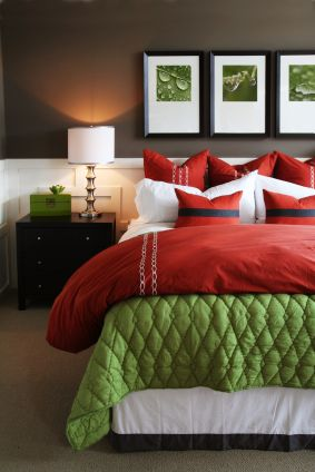 red, yellow & orange themes: red and green bedroom decor | green
