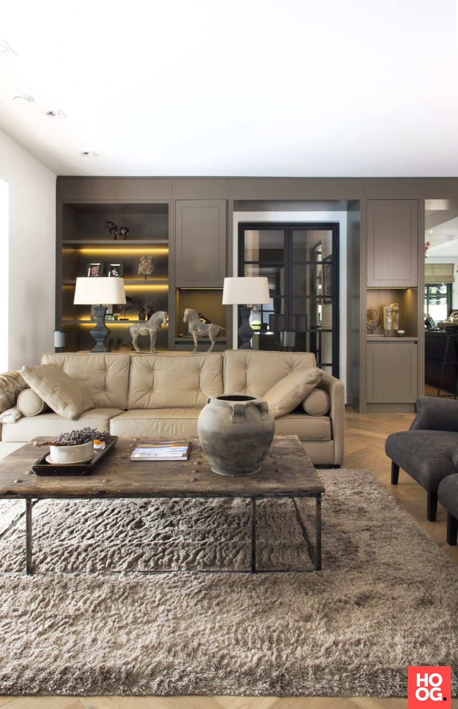 Luxe woonkamer inrichting met luxe meubels interieur for Woonkamer design