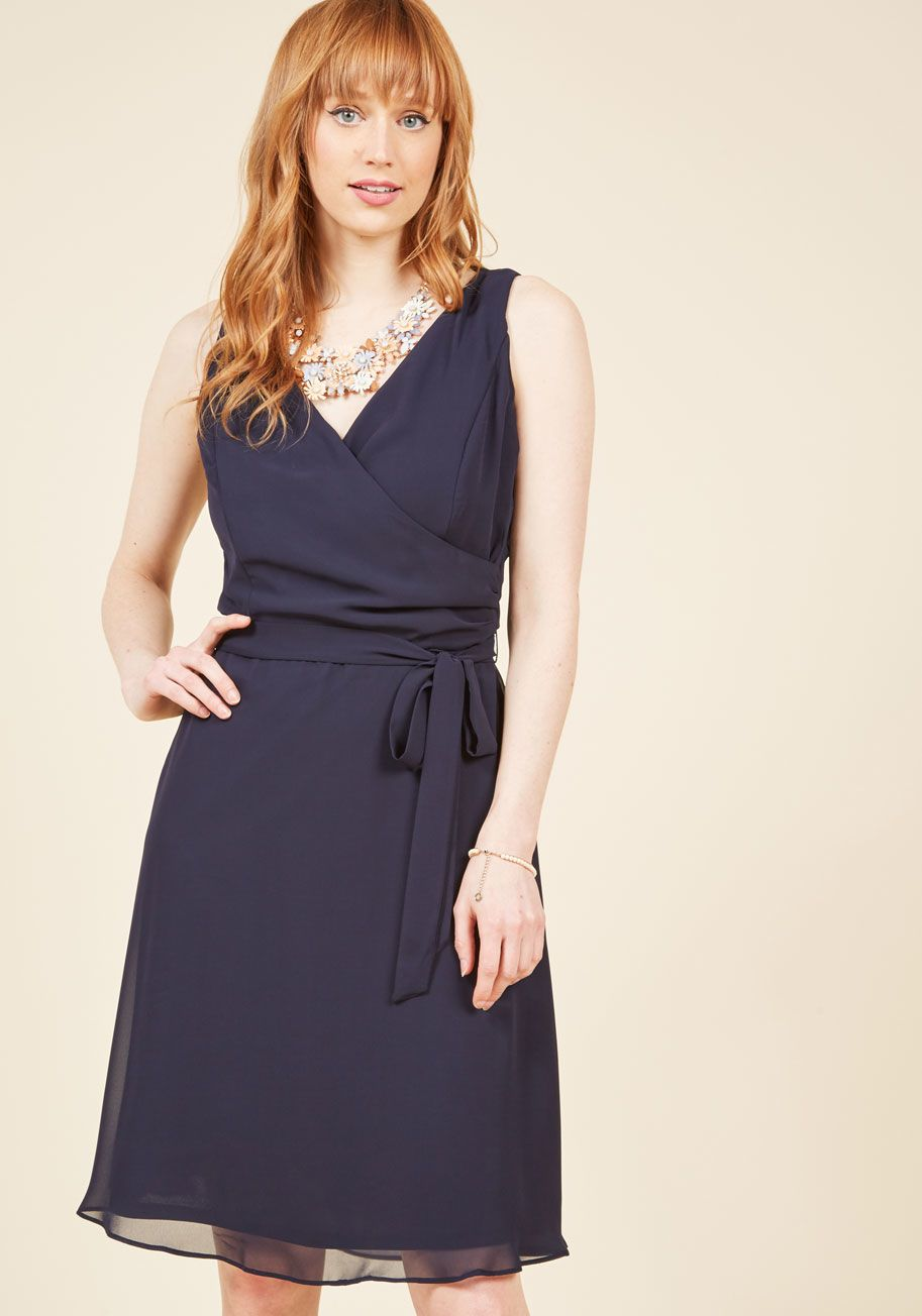 Camera Flash Finesse Wrap Dress in Midnight | Vestiditos