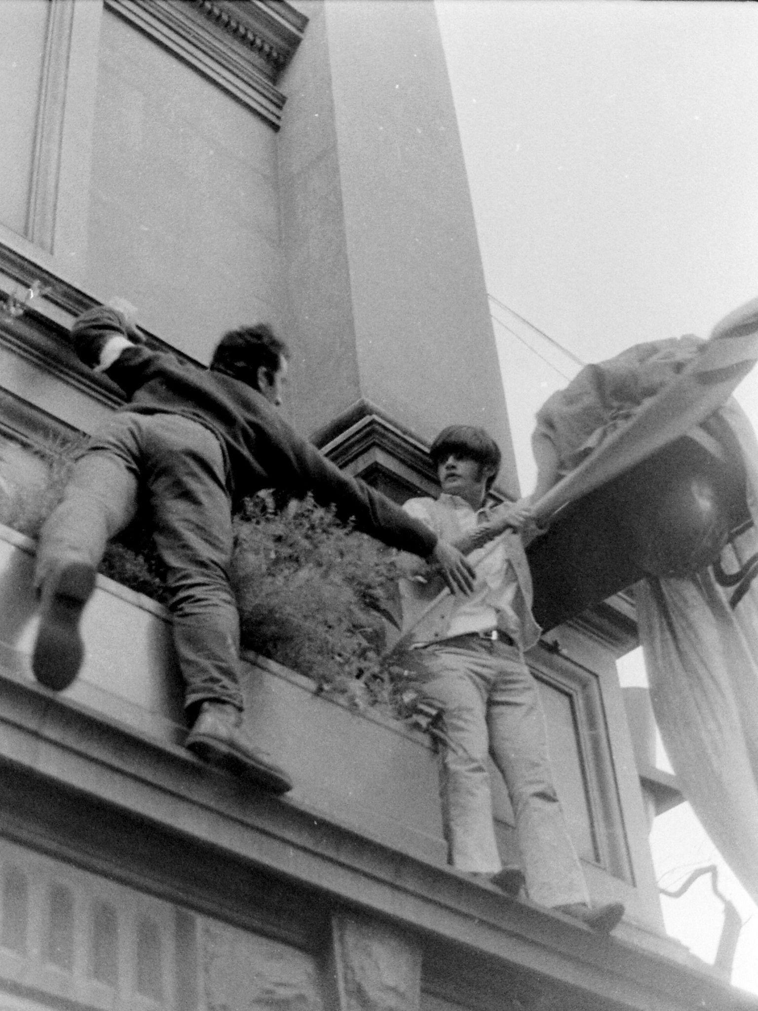 https://flic.kr/p/e2gotr | Melbourne Moratorium May 1970 078 | Battle for the flag, part of student life Melbourne University Architecture School