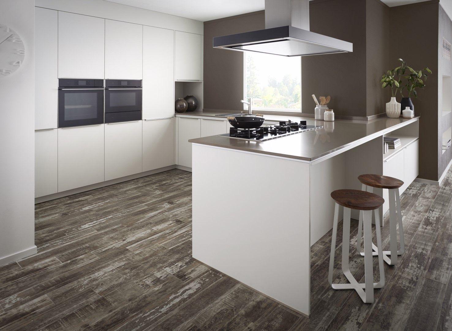 Houten Accessoires Keuken : Witte keukens ogen soms wat kil en strak maar door te combineren