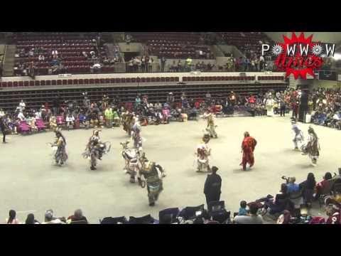 Mens Grass Dancers Group 1 @ Friday Night Kyiyo PW16 #powwow #powwowmusic #powwowtimes