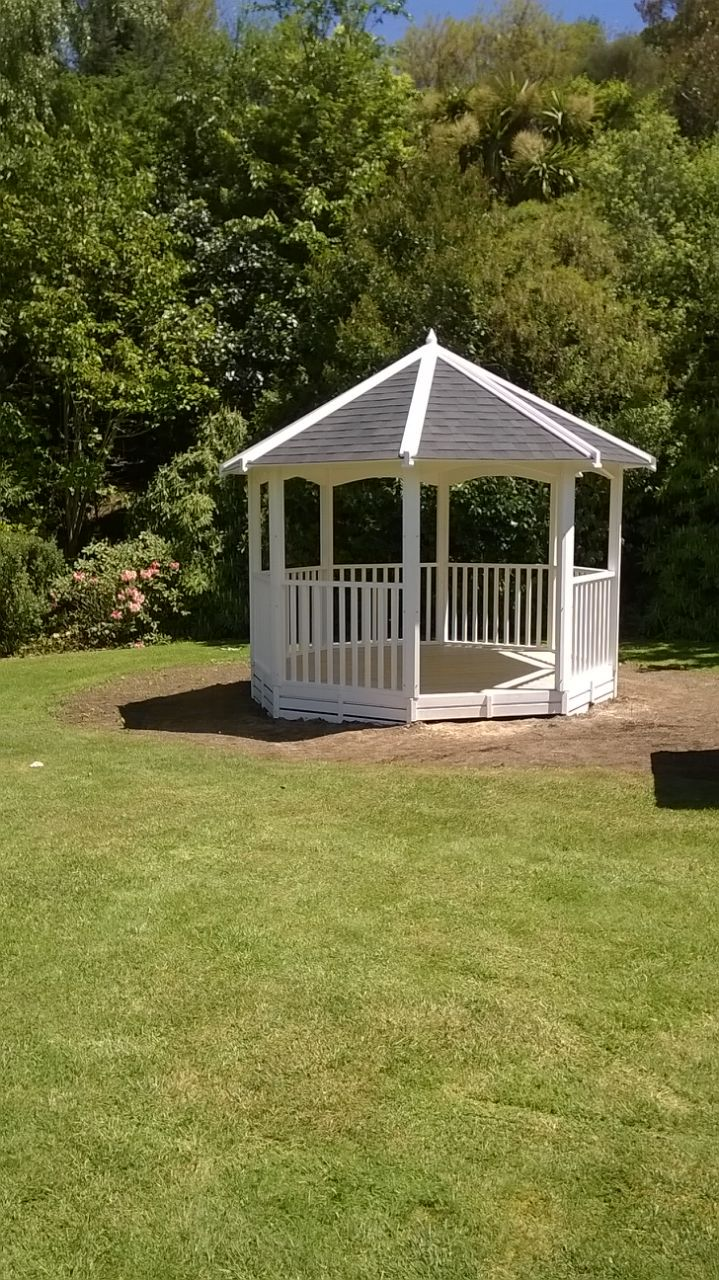 3.5mtr oct gazebo with balustrades to window height in the walls ...