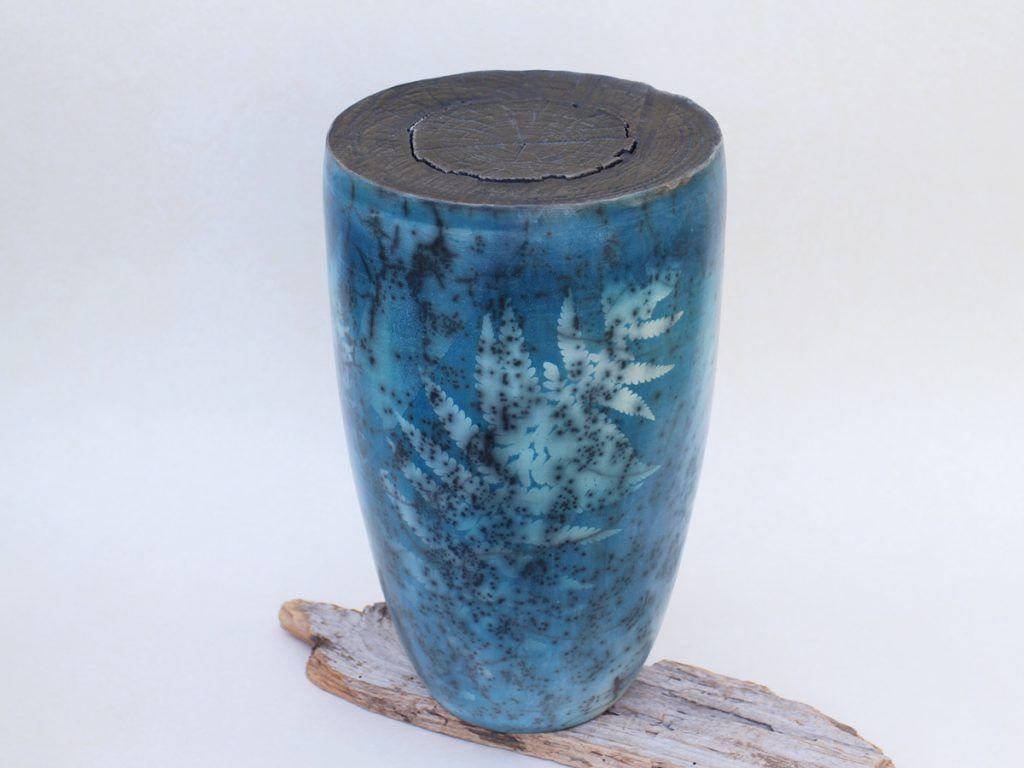 Cyanotypie auf Raku Keramik, Cyanotype on raku ceramic vessel