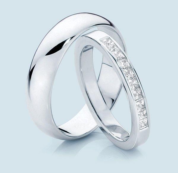 Absolute Matching Collections Of Platinum Wedding Bands For Men And Women Are Showcased At Chungath Jewellery