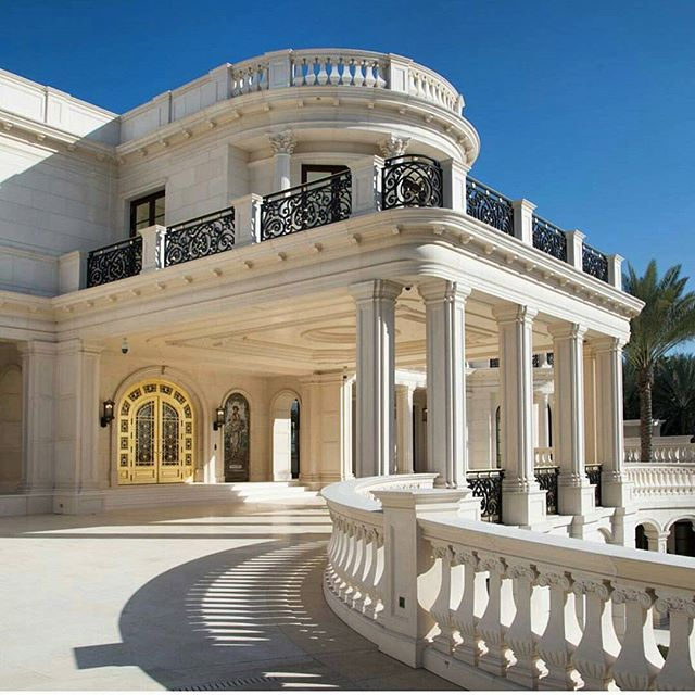 The Palms Apartments In Las Vegas: This Exceptional Gated Waterfront Home Is Located At 432 E