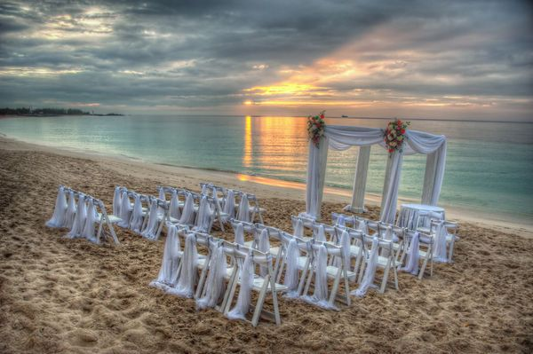 Diffe Types Of Beach Wedding Ceremonies Google Search