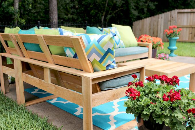 Great DIY Outdoor Sectional For Under $100