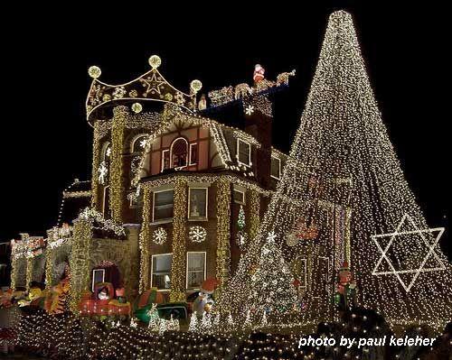 Easy Christmas light ideas on house | Christmas Light Ideas to Make the  Season Sparkle - Ummm... Easy? - Christmas Light Ideas To Make The Season Sparkle Hardy Har Har