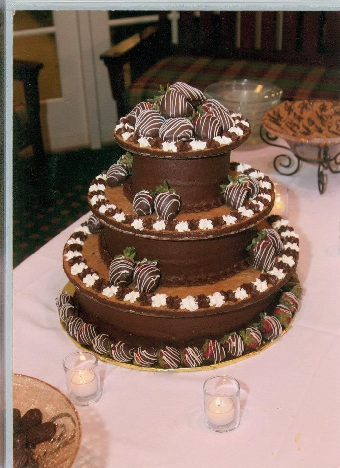 Chocolate Cake And Chip Cookie Grooms