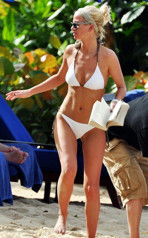 Sarah Harding // Girls Aloud Bikini De Celebridad, Bikinis Blancos, Trajes  De Baño