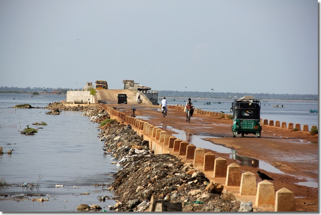 Causeway near Jaffna, Sri Lanka / http://www.gobackpacking.com/Blog/2012/07/10/photo-essay-north-sri-lanka/