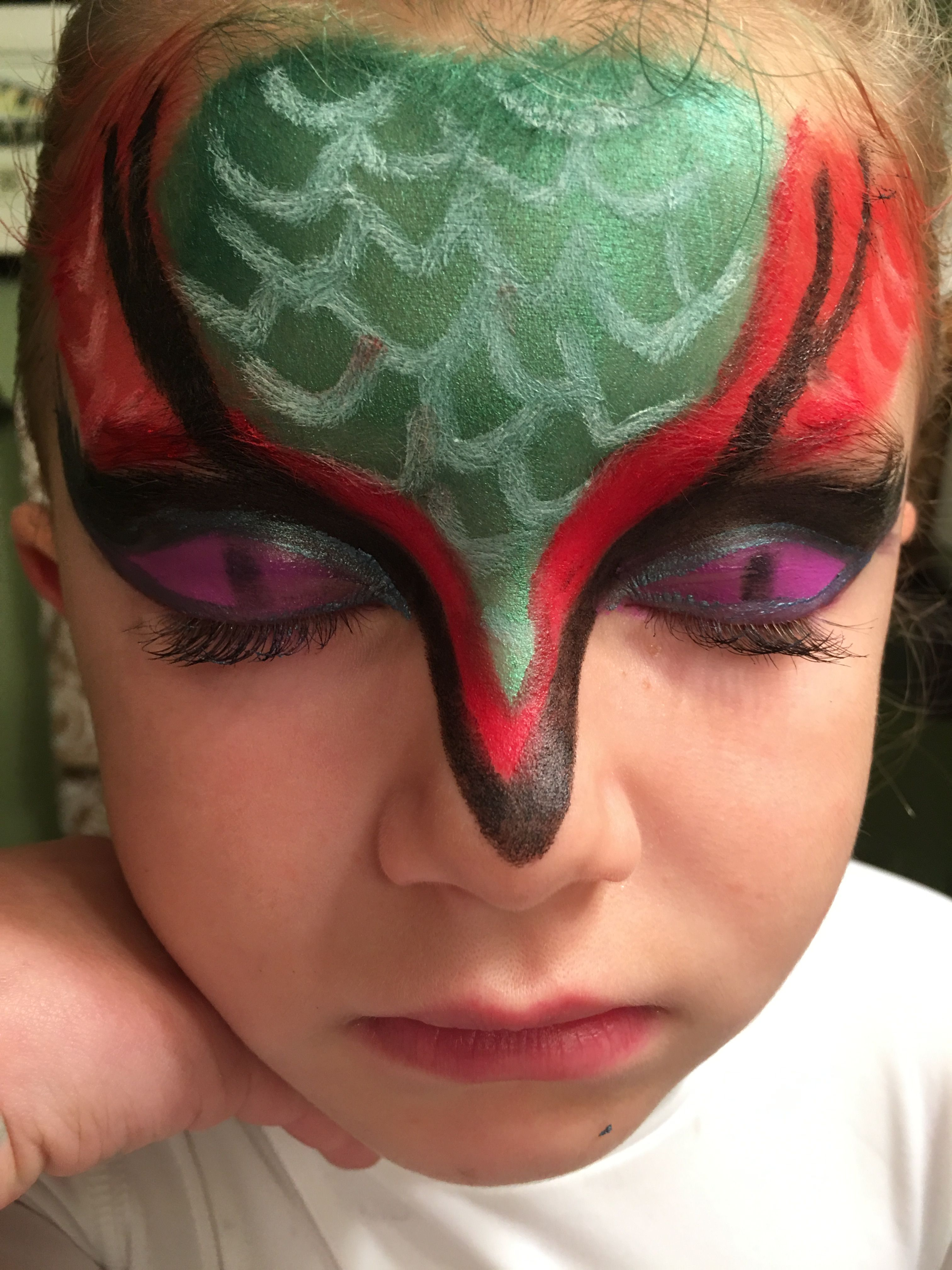 dragon face makeup (With images) Little girl hairstyles
