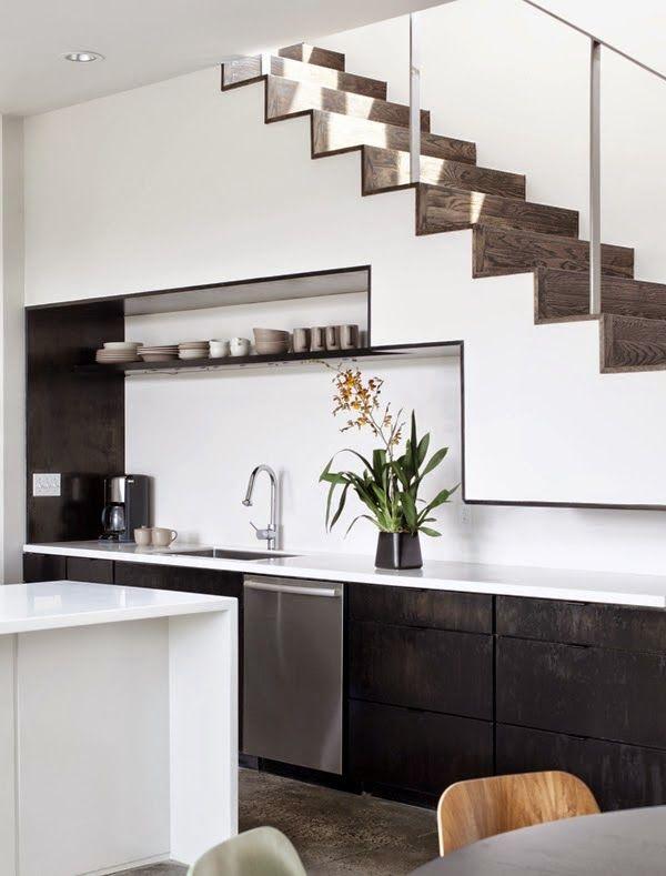 19 Space Saving Under Stairs Kitchens You Need To See Top Dreamer Cocina Debajo De Escaleras Diseño De Escaleras Interiores Diseño Muebles De Cocina