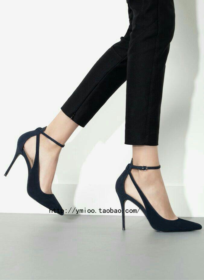 a744313bc00ec Özcan Filiz Haksal adlı kullanıcının abiye elbiseler gowns panosundaki Pin  | Zapatos, Zapatos de tacones ve Botas zapatos