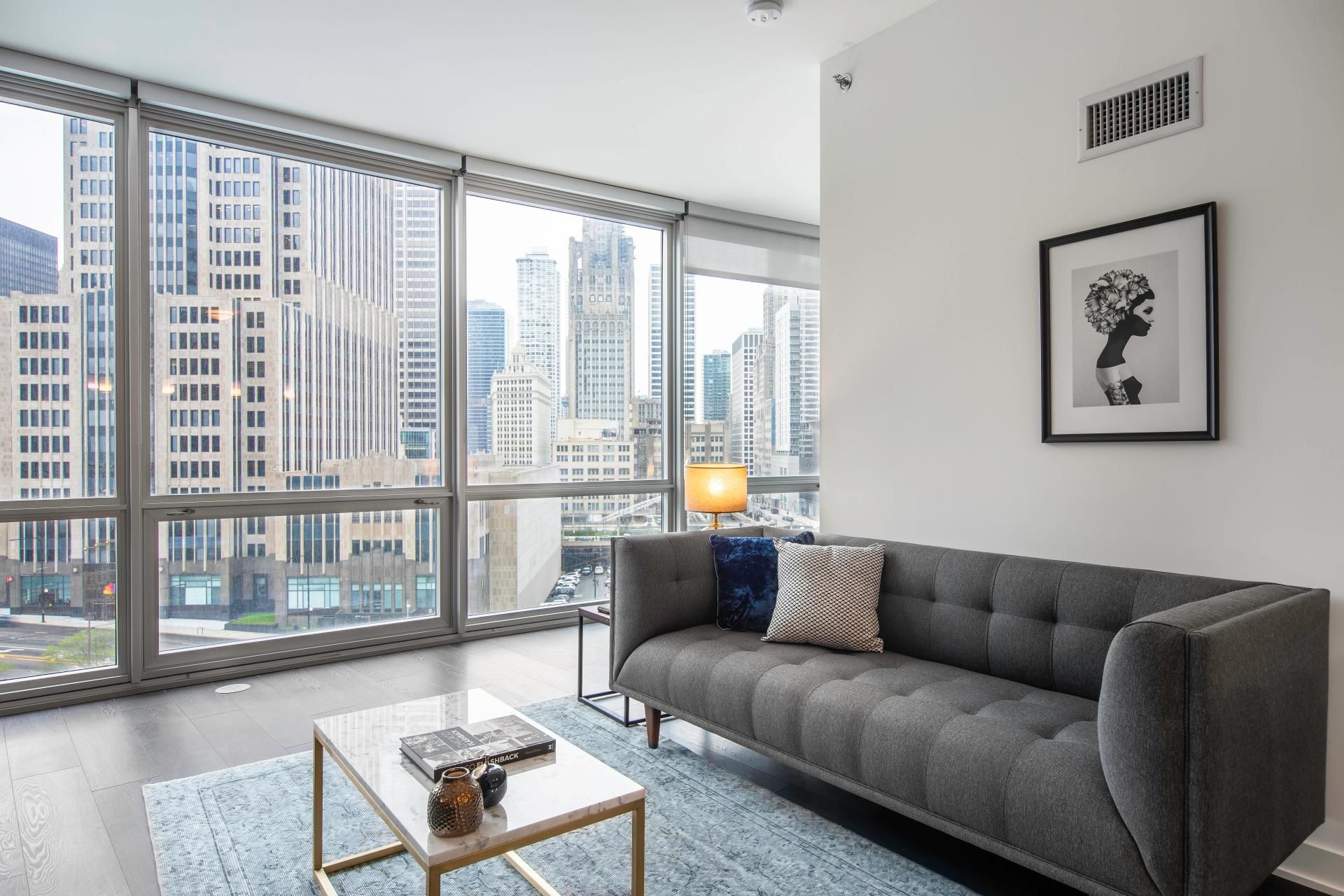 Relaxing On Our Big Beautiful Couch In Chicago Fully Furnished 1bedroom Apartment In Street Chic Apartment Decor Elegant Apartment Decor Dyi Apartment Decor