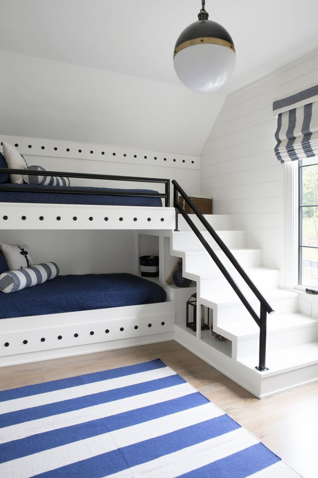 Find Your Peacefulness With These White Room Concepts Bunk Bed