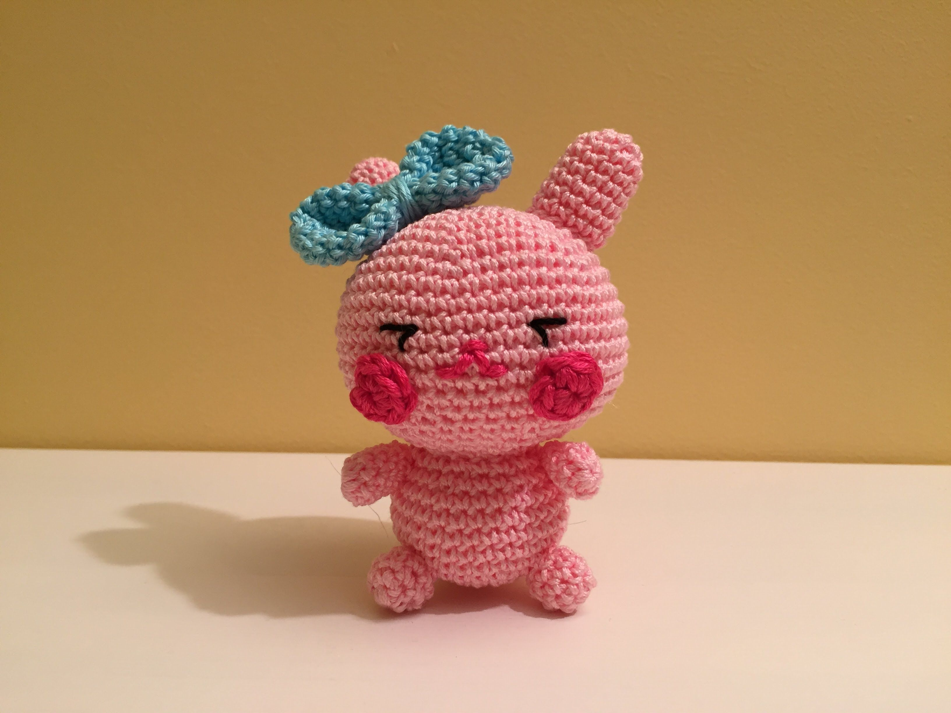 Amigurumi Rabbit Tutorial : Tutorial mini coniglietto amigurumi how to crochet a pink rabbit