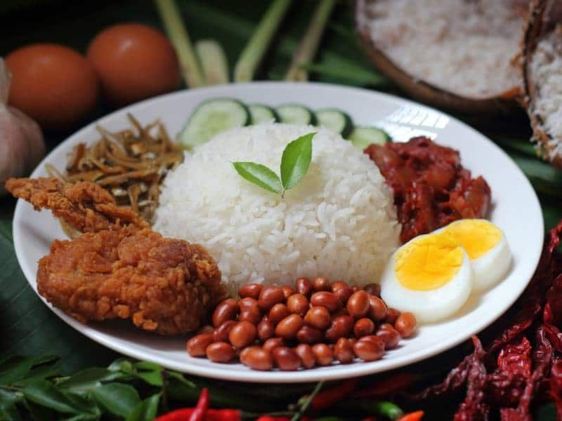 Resepi Nasi Lemak Sedap Dan Cara Buat Sambal Ikan Bilis Mudah Di 2020 Makanan Dan Minuman Nasi Lemak Makanan