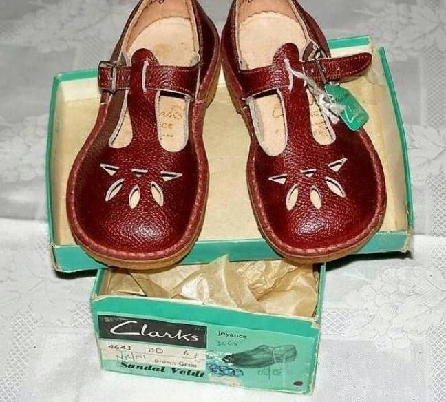 I had these Mam said they were Ox blood, I said they were brown.