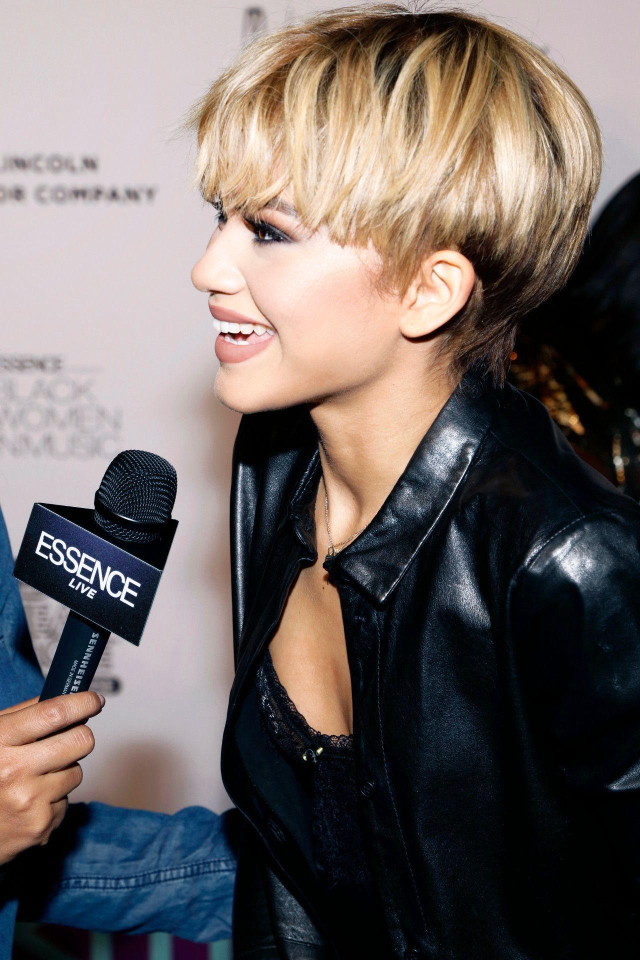 zendaya short blonde mushroom haircut bowl cut hair | cute