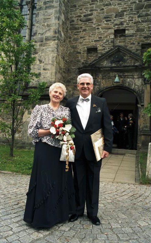50 jaar getrouwd wiki Echtpaar 50 jaar getrouwd. Golden wedding couple. Bron/source  50 jaar getrouwd wiki