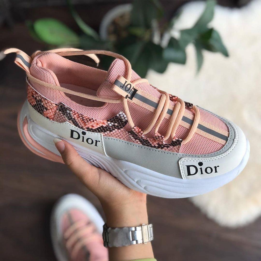 0 Likes 0 Comments مندوبة مبيعات Aba075094 On Instagram شوزات ديور متوفر ثلاثه الوان مقاسات من ٣٧ الا ٤١ السعر ١٣٠ ريال لويس Dior Sneakers Vuitton