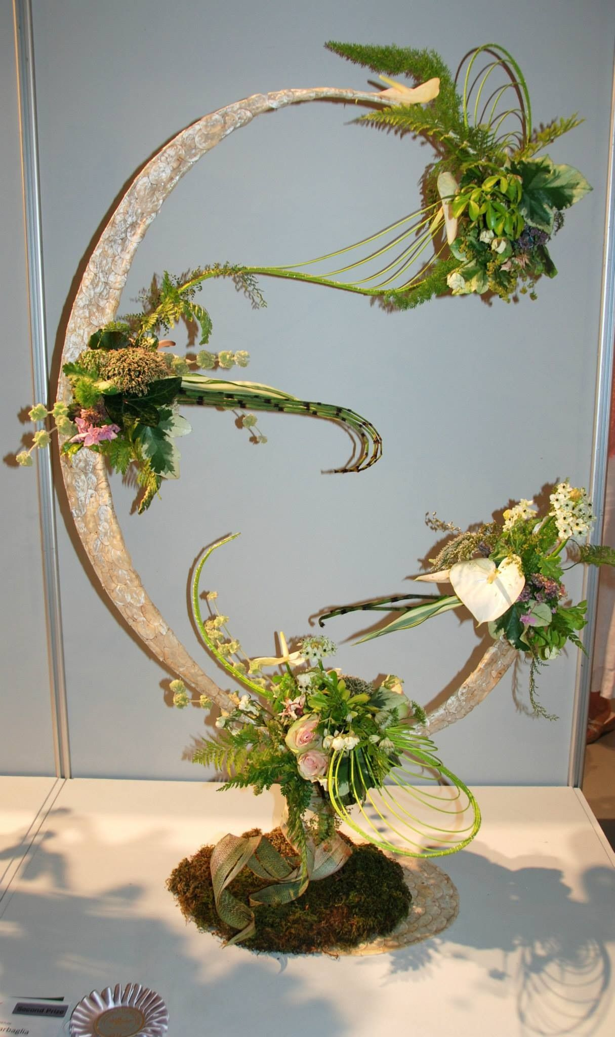 Wafa Ireland A Floral Odyssey Ideias Troncos Arranjos
