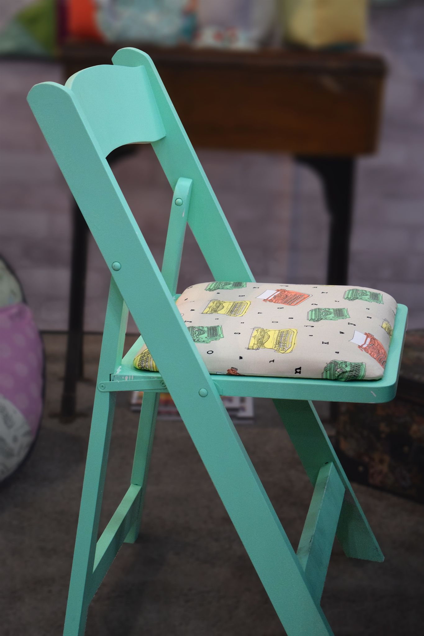 Cute Folding Chairs How Cute Here S A Fun Way To Use Our Talk To Me Fabrics Update
