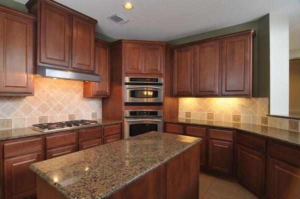 Best Cabinets Countertops And Backsplash Combo Kitchen 640 x 480
