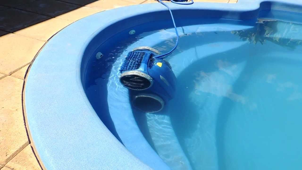 Zodiac 4WD V3 Vortex Aquabot Robotic Rob Swimming Pool Cleaner.  #Pool_Cleaning_Robot