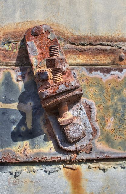 oh I do so love rusty stuff ...
