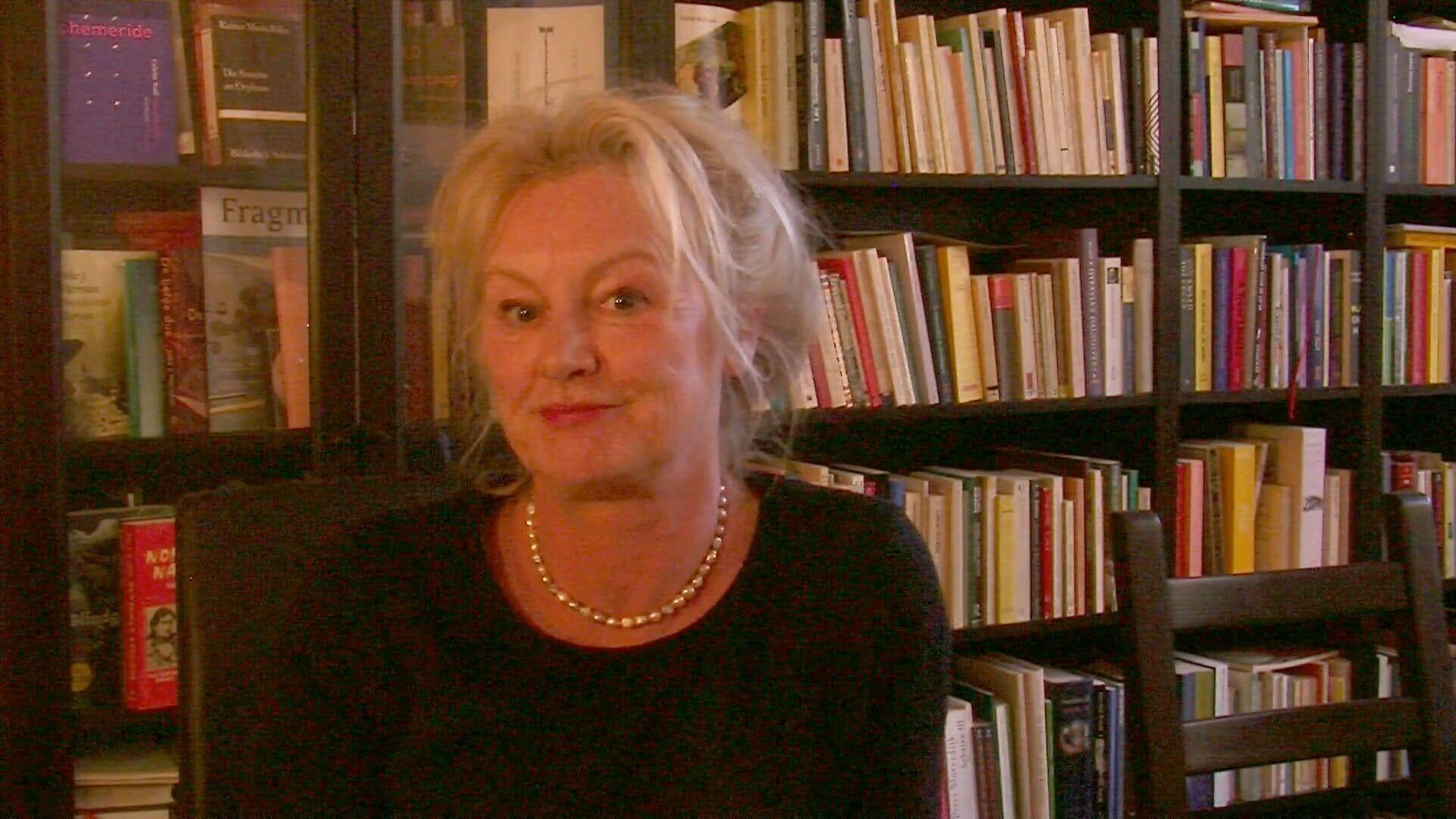Joke Hermsen pitcht haar boek Melancholie van de onrust