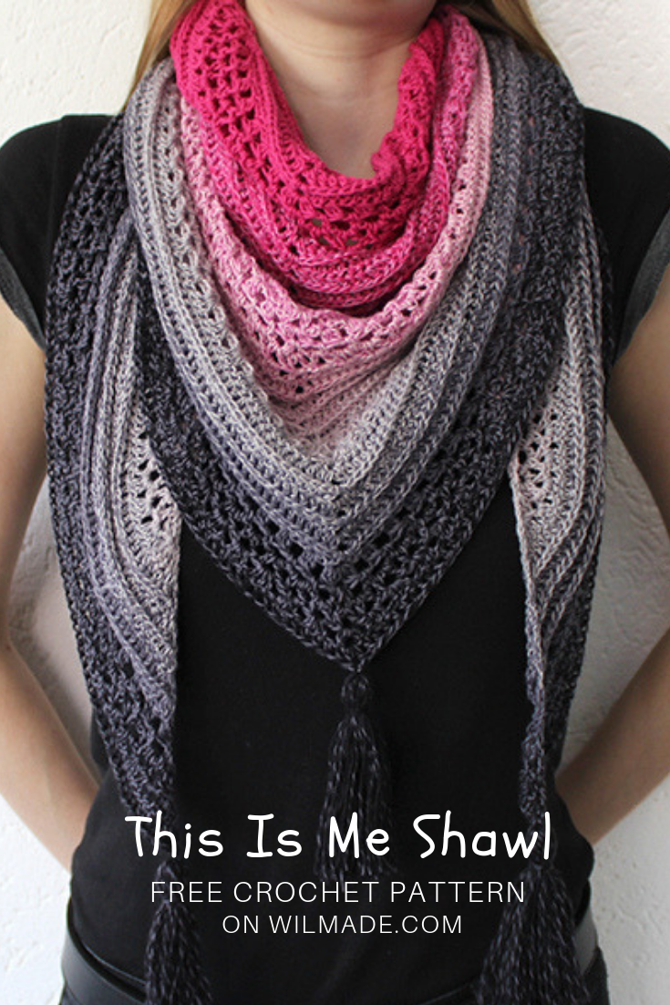 Triangle shawl: free crochet pattern to make the This Is Me Shawl #shawlcrochetpattern