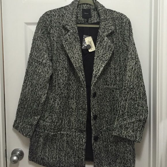 NWT Forever21 Black and Cream Coat Brand new with tag, forever21 black and cream tweed oversized coat. Size Large, could fit an XL comfortably. Forever 21 Jackets & Coats