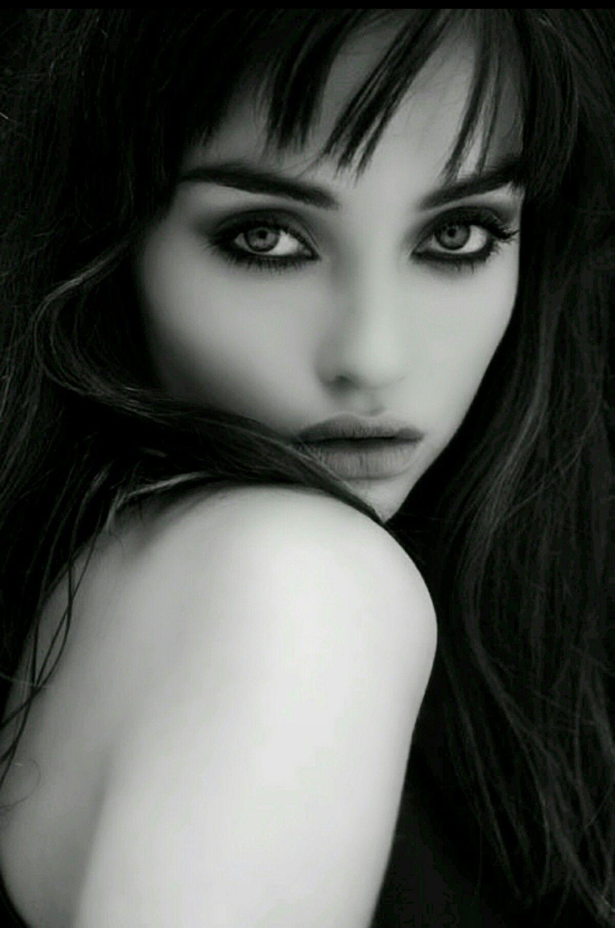 Beauty | Black and white portraits, Portrait, Portrait ...