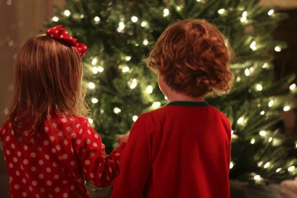 mom on the go it is time to start decorating your christmas tree - When To Start Decorating For Christmas