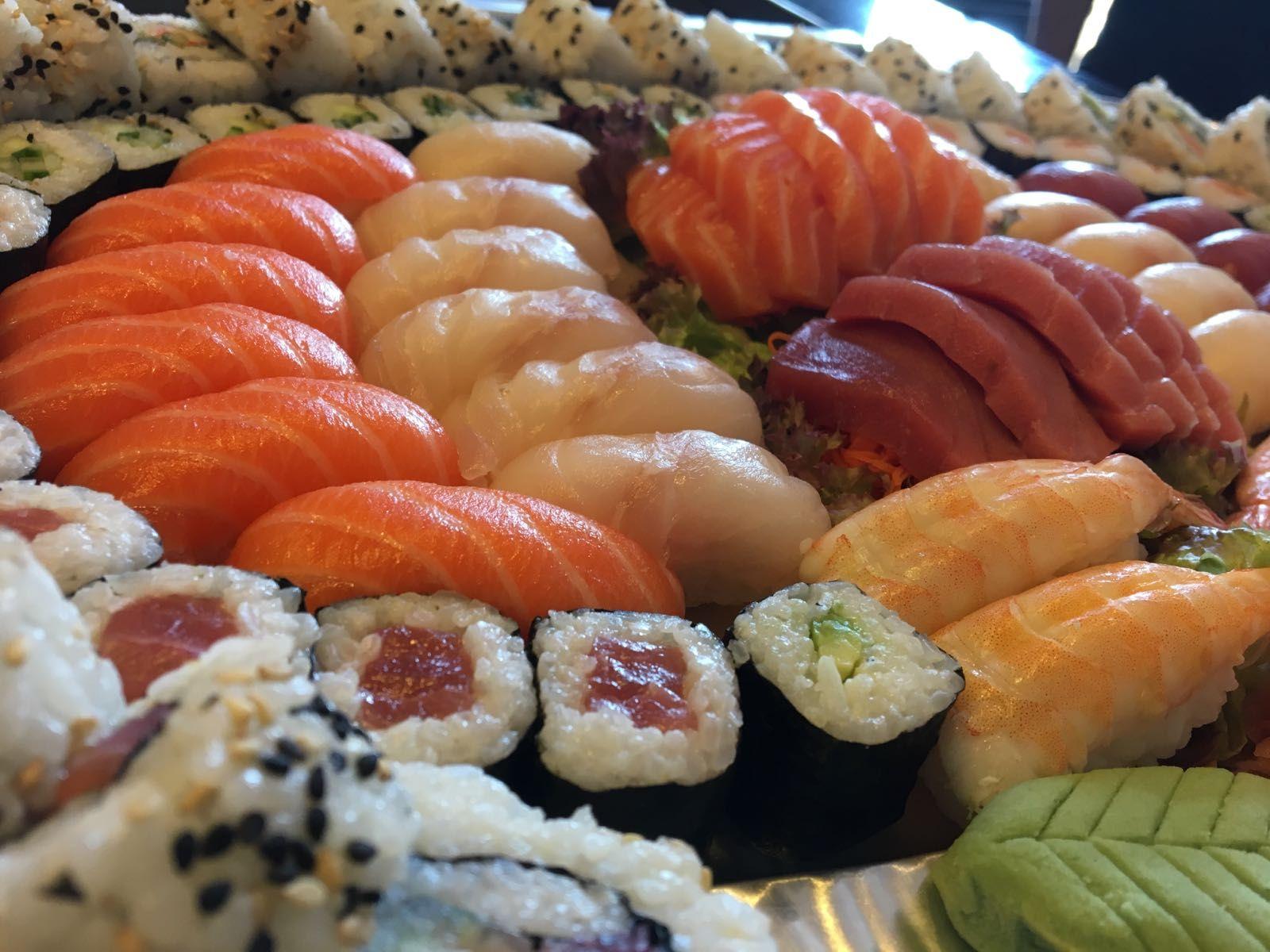 I Want Sushi For Dinner Sushi Dinner Food Sushi