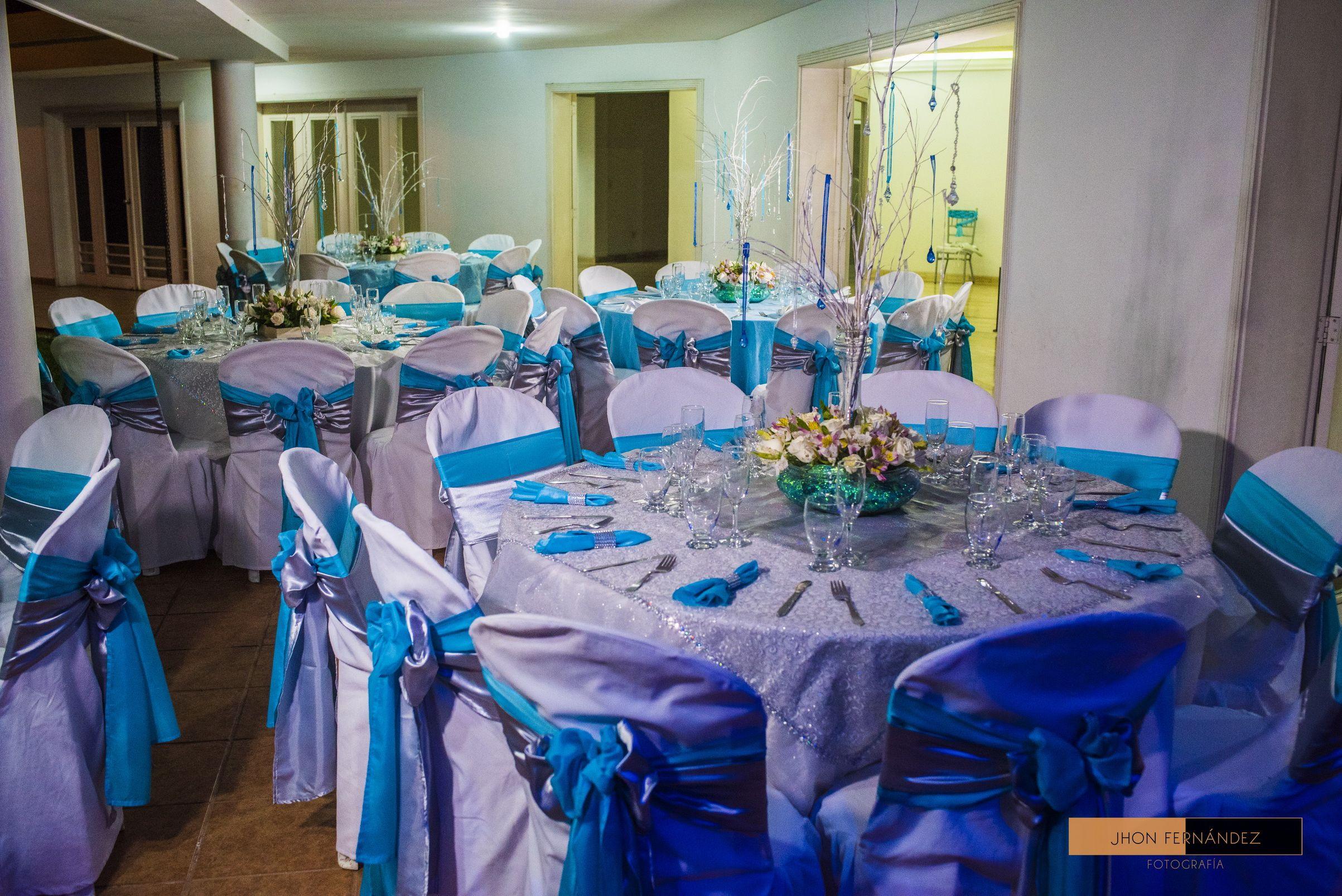 Una Fiesta Deslumbrante Decorada Con Los Más Hermosos Cristales Para Ti Más Información Sobre Eventos Matrimonios B Planeacion De Eventos Eventos Bodas