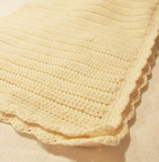 Nice and easy crochet baby blanket