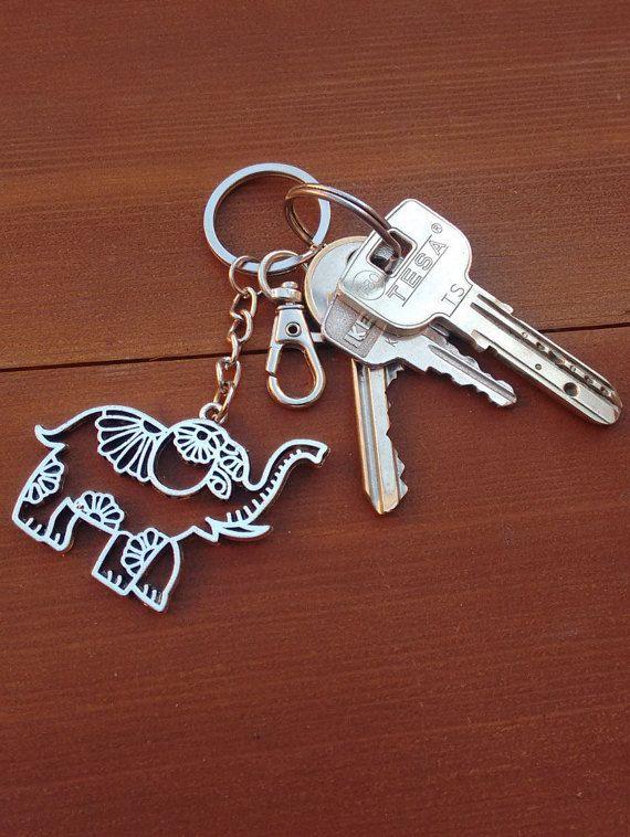 cee74d7d10fc69 Lucky Elephant Key Chain Silver Indian Elephant por WILDSOUL19